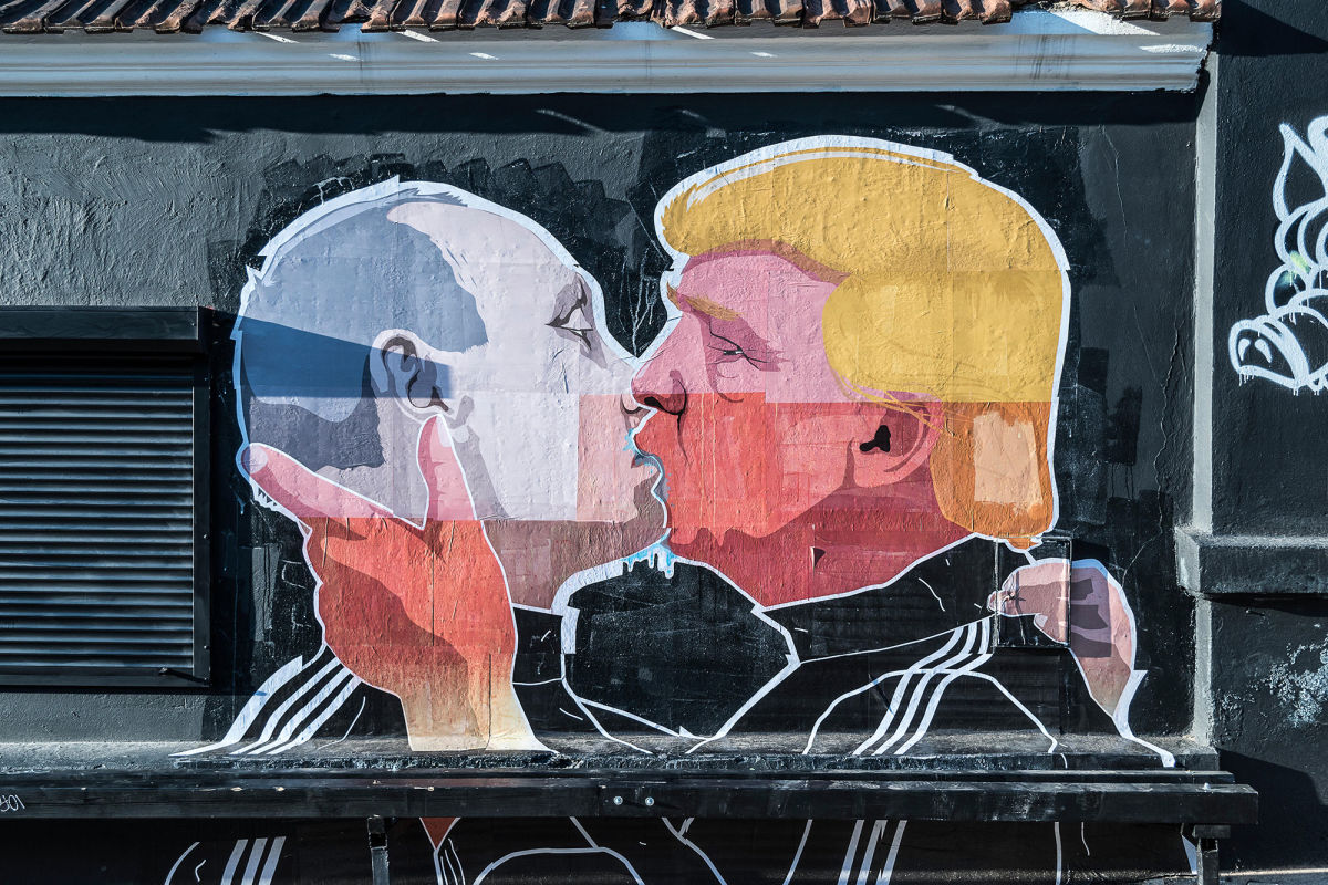This Latvian mural shows a Putin-Trump love affair that many in the Baltic worry about.